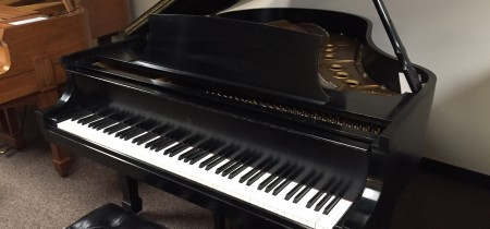 Used Steinway Model M Grand Piano in Ebony Satin