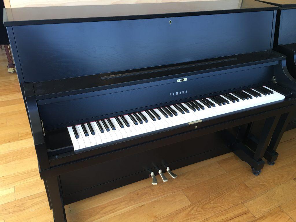 Pre owned yamaha p22 upright refinished ebony satin used for Yamaha p22 upright piano
