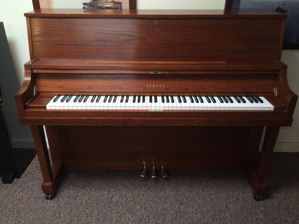 Pre owned yamaha p22 upright used piano showroom for Used yamaha pianos for sale