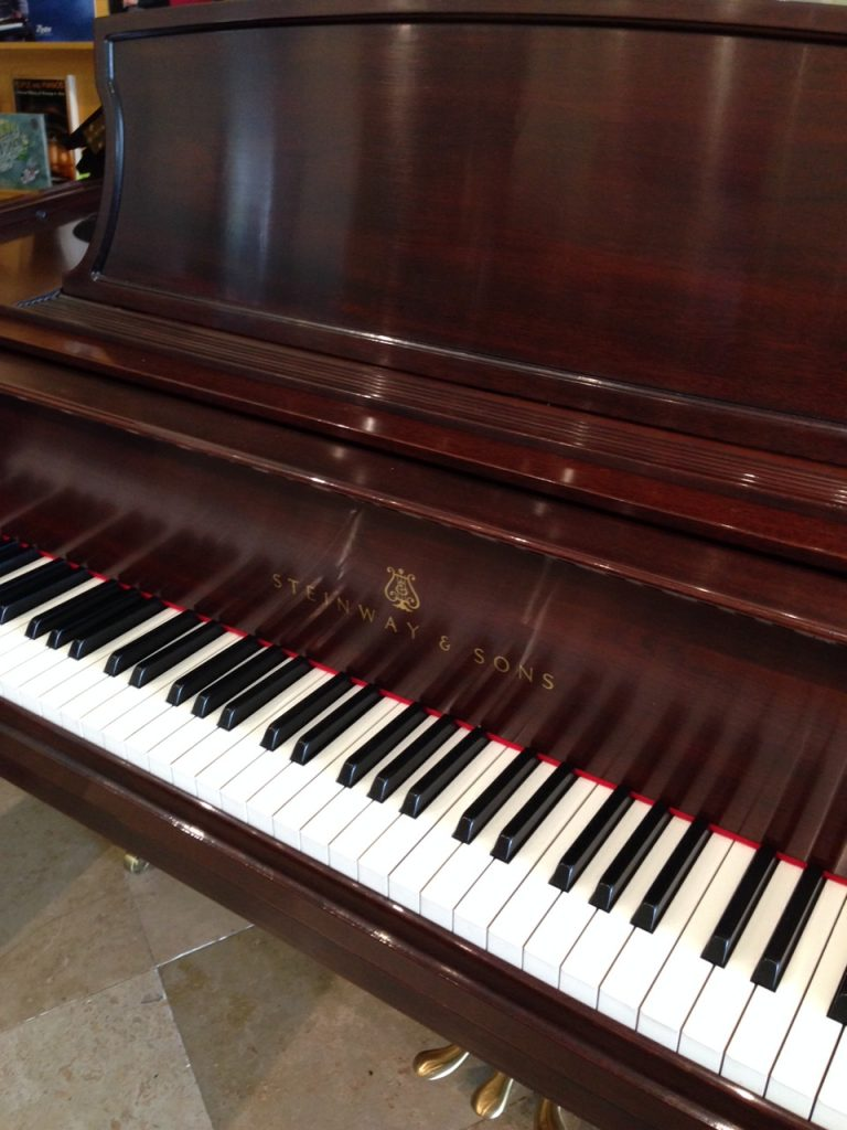pianos for sale used piano showroom dallas fort worth plano houston. Black Bedroom Furniture Sets. Home Design Ideas